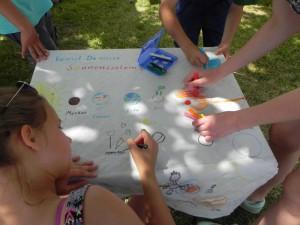 Astro-Malschule: Die Kinder in Aktion